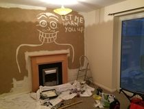 We are painting in our new house my girlfriend scares me