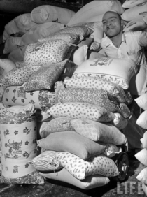When they realized women were using their sacks to make clothes for their children flour mills of the s started using flowered fabric for their sacks